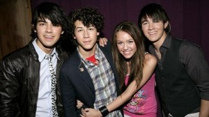 MILEY WITH JONAS BROTHERS