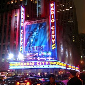Oprah_Radio City Music Hall_BellaPetite.com