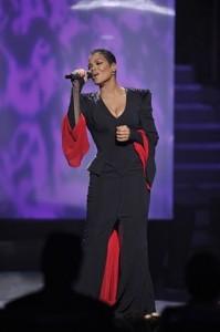 janet_jackson_american_idol_finale_petite celebrity_bellapetite.com