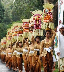 balinese-people-bellapetite-3