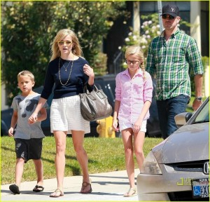 EXCLUSIVE: Reese Witherspoon Taking Her Kids And Boyfriend To Church