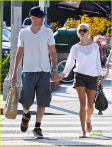 Reese Witherspoon And Jim Toth Shopping At Whole Foods