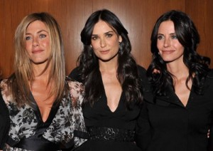 Petite-Celebrities-Jennifer-Aniston-Demi-Moore-Courtney-Cox-Besties!