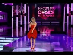 Peoples-Choice-Awards-2013-BellaPetite.