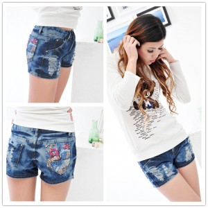 pattern-mixed-denim-shorts