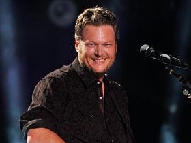 Blake-Shelton-CMA