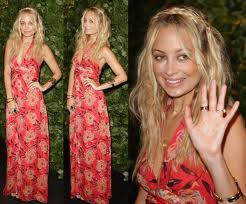 How To Wear A Maxi-Nicole-Richie