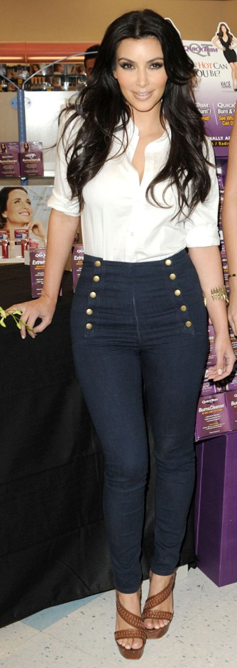 kim-kardashian-high-waisted-jeans