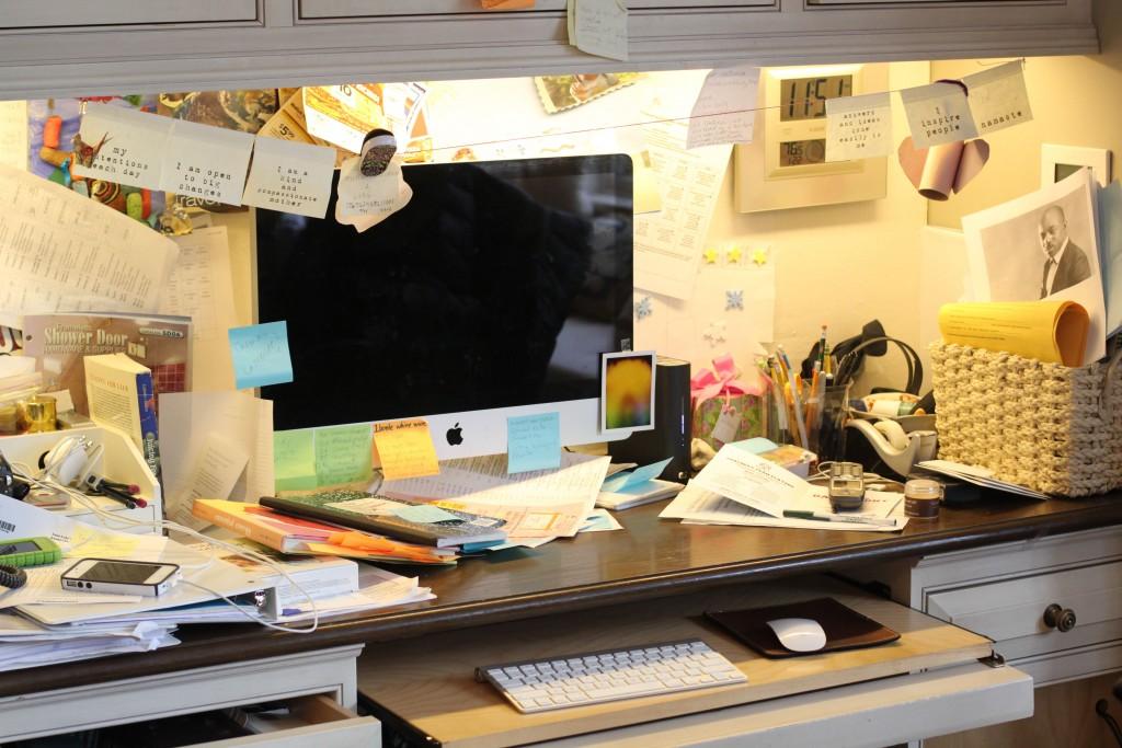 messy desk bella petite magazine